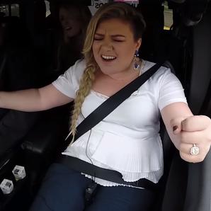 Kelly Clarkson Singing In Car